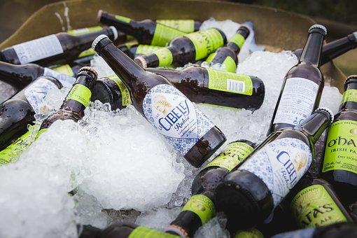Cerveza con hielo picado